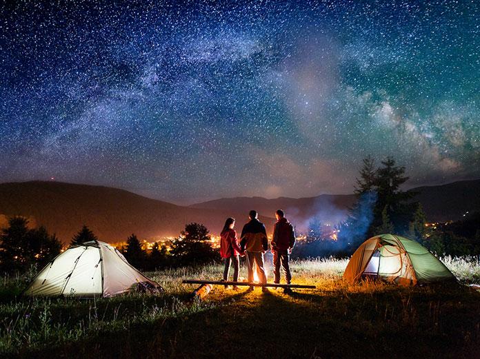 Śpiwory turystyczne na noc